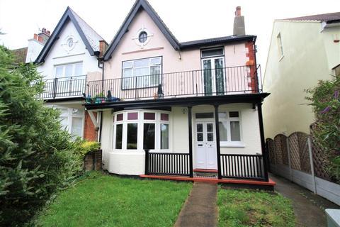 3 bedroom flat to rent - Cossington Road, Westcliff-On-Sea