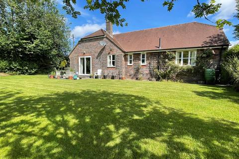 3 bedroom detached bungalow for sale - Ramsbury Close, Kings Stag, Sturminster Newton