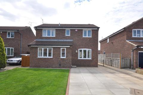 3 bedroom detached house for sale - Dee Close, Woodthorpe, York, YO24 2XP
