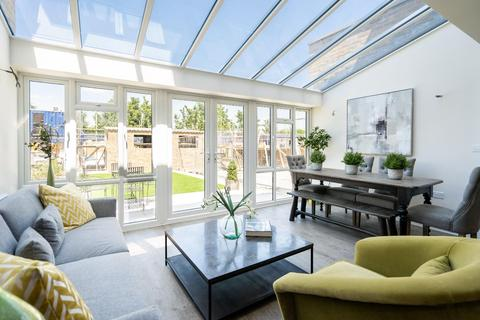 4 bedroom end of terrace house for sale - Gantry Place, Cotton Lane, Greenhithe