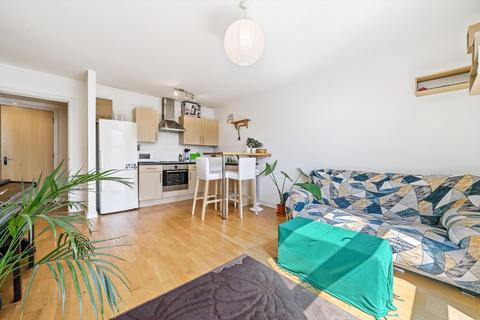 1 bedroom flat for sale - Queenstown Road, London, SW11