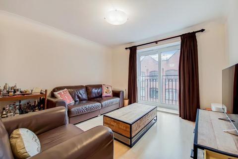 2 bedroom apartment for sale - Brigantine Court Spert Street Limehouse