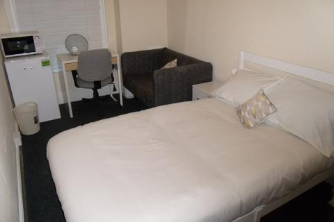 1 bedroom in a house share to rent - Raleigh Street, Nottingham NG7