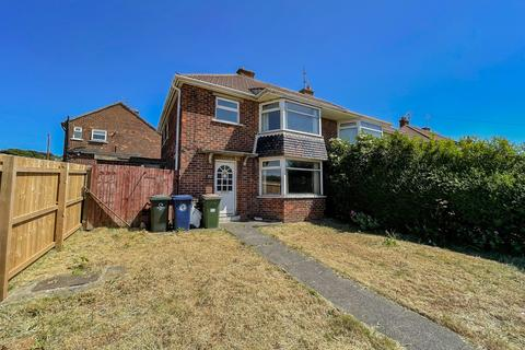 3 bedroom semi-detached house for sale - Linden Road, Brotton, TS12