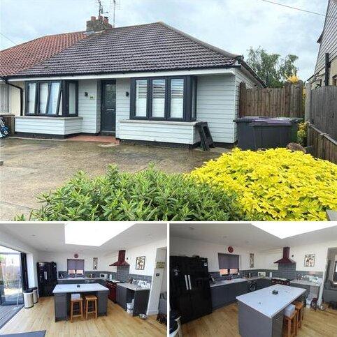 2 bedroom bungalow for sale - Ferry Road, Hullbridge, Essex, SS5