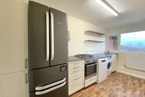 2 bedroom flat to rent - The Street Rustington BN16