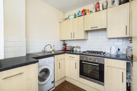3 bedroom flat to rent - Schubert Road, London SW15