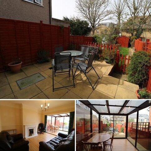 2 bedroom ground floor flat for sale - Birkbeck Road, Beckenham BR3