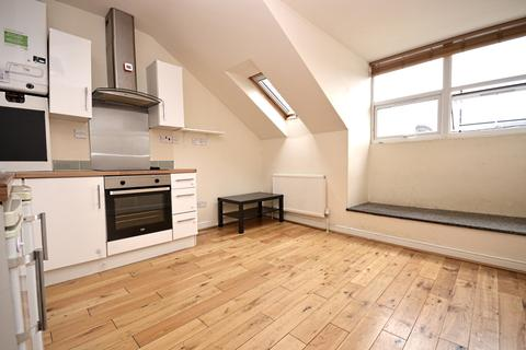 2 bedroom flat to rent - Westow Hill London SE19