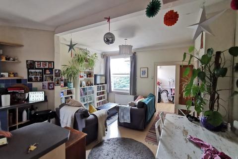 2 bedroom flat to rent - Dunsford Road, Wimbledon Park SW19