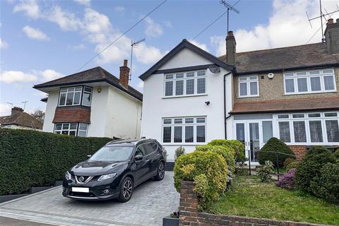 3 bedroom end of terrace house for sale - Manor Way, Woodmansterne, Surrey