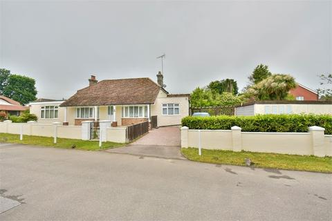 3 bedroom detached bungalow for sale - The Byeway, BEXHILL-ON-SEA, East Sussex