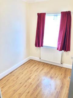 3 bedroom semi-detached house for sale - Downhills Way, Haringey, London, N17
