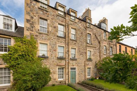 3 bedroom flat for sale - Calton Hill, Edinburgh, EH1
