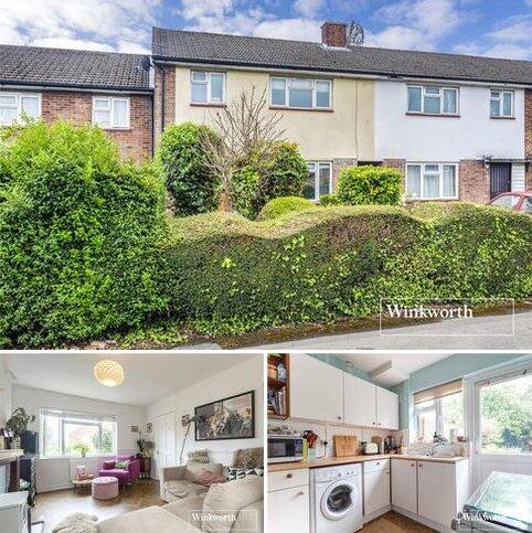 3 bedroom terraced house for sale - Quinta Drive, Barnet, EN5