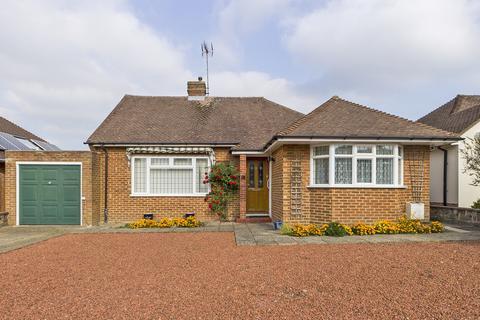 2 bedroom detached bungalow for sale - Fay Road, Horsham