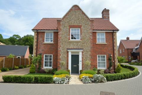 4 bedroom detached house for sale - Newell Close, Holt