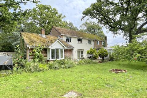 5 bedroom detached house for sale - Policemans Lane, Upton