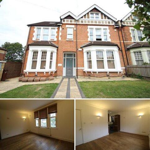 2 bedroom flat to rent - Valley Road, Bromley  BR2