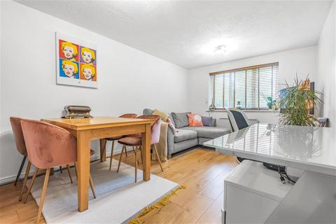 1 bedroom ground floor flat for sale - Keswick Court, Cumberland Place, London, SE6 1NA