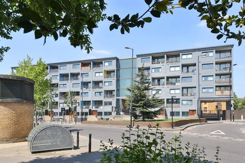 2 bedroom apartment to rent - Northwold Road, London
