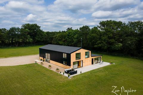 7 bedroom barn conversion for sale - Wickham St. Paul