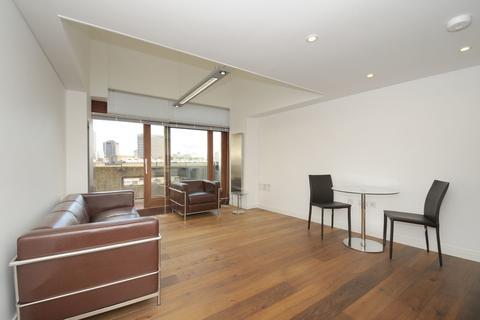 1 bedroom penthouse to rent - Frobisher Crescent, Barbican EC2Y
