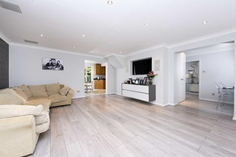 5 bedroom detached house for sale - Priory Field Drive, Edgware