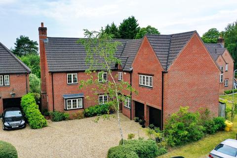 5 bedroom detached house for sale - Matchams Close, Matchams, Ringwood, BH24