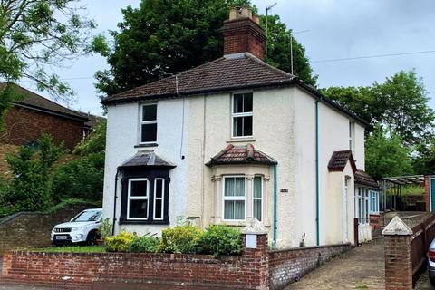 3 bedroom character property for sale - West Wycombe Road, West Wycombe Parish