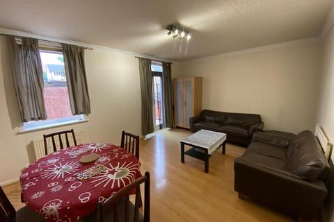 1 bedroom in a house share to rent - Croft Street,  London, SE8