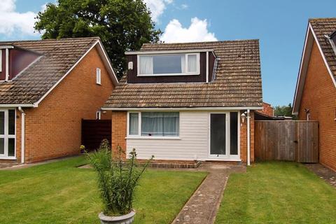 3 bedroom detached house for sale - Field Close KIDLINGTON