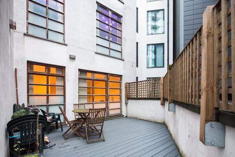 2 bedroom apartment to rent - Riga Mews, 32 - 34 Commercial Road, London