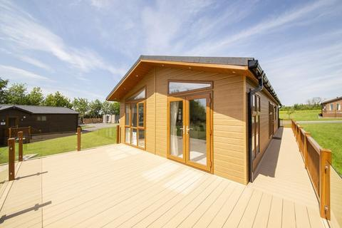 2 bedroom detached bungalow for sale - Thornton Lodge Retreats, Thornton Hill, Easingwold