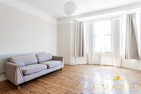 2 bedroom apartment to rent - Muswell Hill Broadway, London