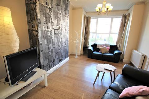 4 bedroom detached house to rent - Stanmore Street, Burley, LS6