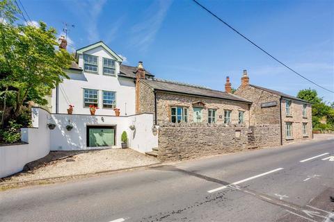 5 bedroom detached house for sale - Broadrock, Woodcroft, NP16