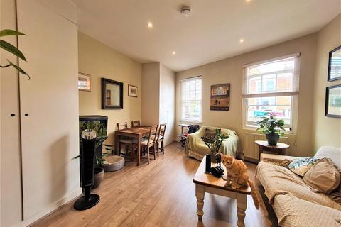 1 bedroom flat for sale - Queenstown Road