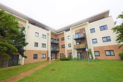 2 bedroom flat for sale - Colvern House, Spring Close, Romford