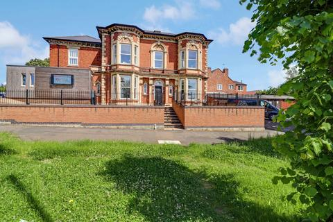 2 bedroom flat for sale - Apartment 3, The Lodge, 40 Barrowby Road, Grantham NG31 6PD