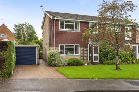 3 bedroom semi-detached house for sale - Aston Rise, Pulborough, RH20