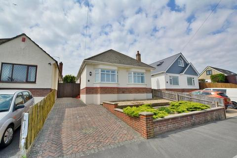 3 bedroom detached bungalow for sale - Dolphin Avenue, Northbourne, Bournemouth BH10 6DU