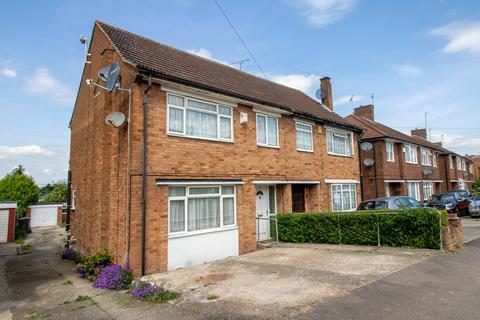3 bedroom semi-detached house to rent - Pennine Avenue, Luton LU3