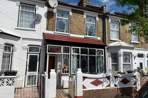 4 bedroom terraced house to rent - Leyton E10