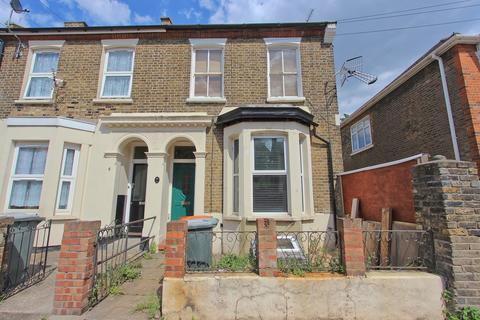 2 bedroom flat for sale - Latimer Road, Forest Gate E7