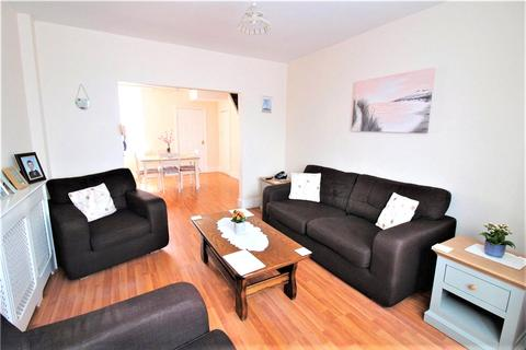 4 bedroom terraced house to rent - Clayton Road, Hayes, Greater London, UB3