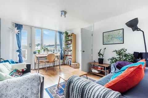 3 bedroom flat for sale - Amina Way London SE16