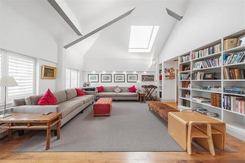 4 bedroom flat for sale - Thackeray Road, SW8