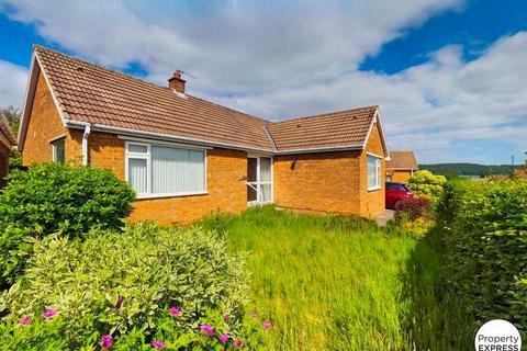 2 bedroom bungalow for sale - St. Leonards Road, Guisborough, North Yorkshire, TS14 8BT