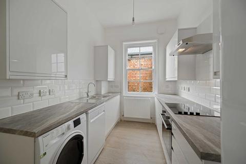 3 bedroom flat to rent - Du Cane Road, Shepherds Bush